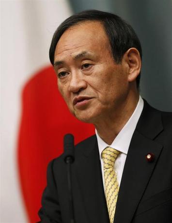 3月14日、菅官房長官は、政府が移民の大量受け入れの検討に入ったとの一部報道について、「政府としてそうしたことを決定した事実はない」と否定した。写真は2012年12月、都内で撮影(2014年 ロイター/Toru Hanai)