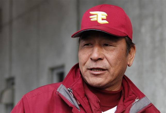 Yoshinori Sato, a pitching coach for the Rakuten Golden Eagles, speaks to reporters at Muscat Stadium in Kurashiki, western Japan March 8, 2014 file photo. REUTERS/Junko Fujita