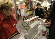 Supermercado en Riga, ene 1, 2014. El número de personas con empleo en la zona euro subió por primera vez en casi tres años en el último trimestre del 2013, sumándose a las señales de una recuperación económica gradual en el bloque. REUTERS Ints Kalnins