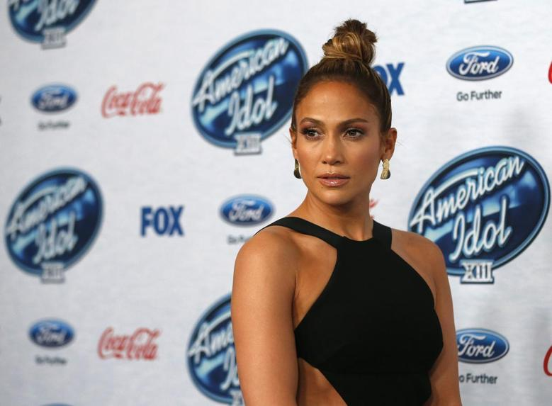 Singer and judge Jennifer Lopez poses at the party for the finalists of ''American Idol XIII'' in West Hollywood, California February 20, 2014 file photo. REUTERS/Mario Anzuoni