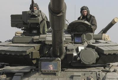West prepares sanctions as Russia presses on with...