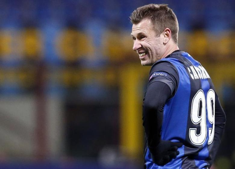 Inter Milan's Antonio Cassano reacts during their Europa League soccer match against Tottenham Hotspur at the San Siro stadium in Milan March 14, 2013. REUTERS/Alessandro Garofalo