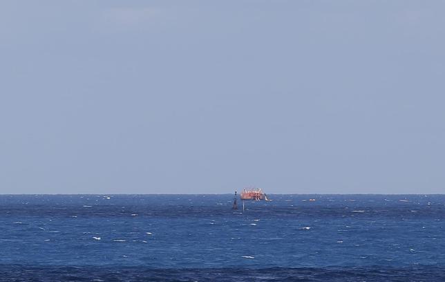 A ship supplying oil is seen in Ras Lanuf March 11, 2014. REUTERS/Esam Omran Al-Fetori