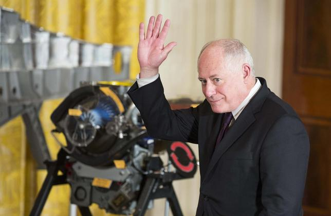 Governor of Illinois Pat Quinn waves as he is introduced by U.S. President Barack Obama during an event on manufacturing innovation institutes in the East Room of the White House in Washington on February 25, 2014 file photo. REUTERS/Joshua Roberts