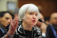 Janet Yellen, chair do Federal Reserve, o banco central dos Estados Unidos, em um pronunciamento a um comitê da Câmara de Deputados dos EUA. O Fed deve reduzir as compras de títulos pela terceira vez seguida nesta quarta-feira e provavelmente vai rescrever a orientação sobre quando pode eventualmente elevar as taxas de juros. REUTERS/Mary F. Calvert