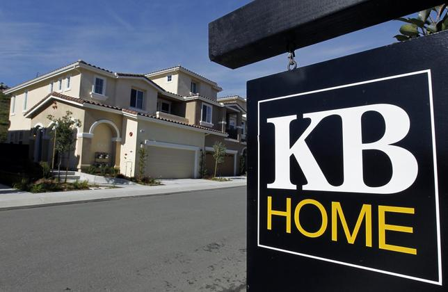 Newly finished development of homes for sale, built by home builder KB Homes, are pictured in Carlsbad, California in this January 4, 2011, file photo. REUTERS/Mike Blake/Files