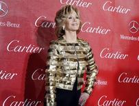 """Foto de archivo de la actriz Jane Fonda en el 2014 Palm Springs International Film Festival. Ene 4, 2014. Las actrices Jane Fonda y Lily Tomlin protagonizarán una nueva comedia para el servicio de """"streaming"""" de Netflix sobre dos mujeres rivales que forjan una nueva relación después de que sus maridos se enamoran. REUTERS/Fred Prouser"""