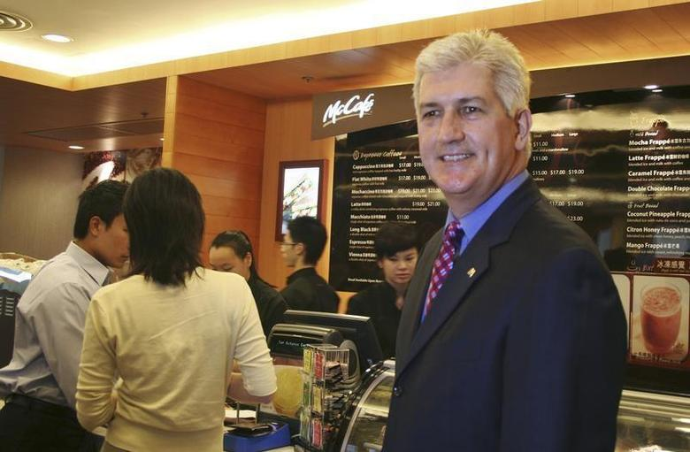 Tim Fenton, president of McDonald's Asia-Pacific, Middle East and Africa unit, poses at a McCafe restaurant in Hong Kong November 7, 2006. REUTERS/ Nichola Groom