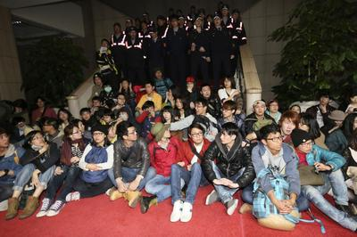 Protesters occupy Taiwan government building over...