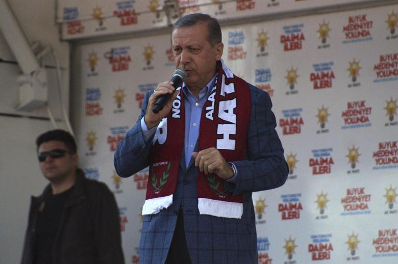 Turkey's Prime Minister Tayyip Erdogan addresses the crowd during an election rally in Antakya, in the southern border province of Hatay, March 22, 2014. REUTERS/Ahmad Rif