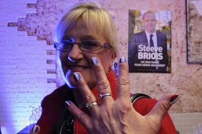 France's far right makes local gains; voters punish...