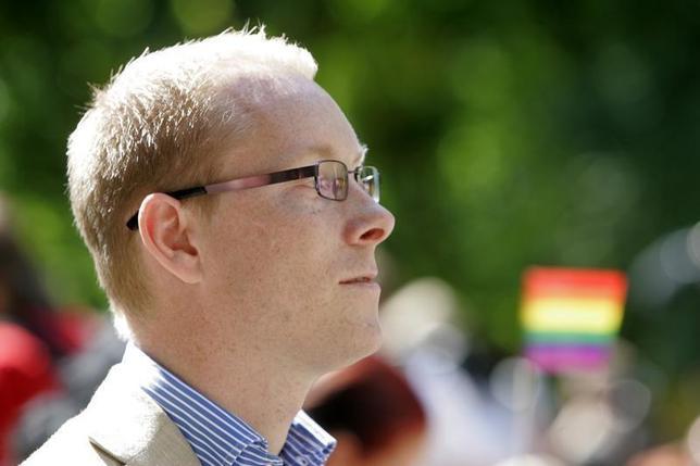 Sweden's Migration Minister Tobias Billstrom attends Riga Pride 2007 in Riga June 3, 2007. REUTERS/Ints Kalnins