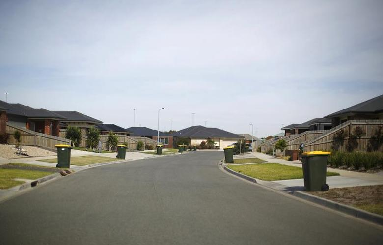 A suburban street is seen in Geelong February 24, 2014. REUTERS/Jason Reed