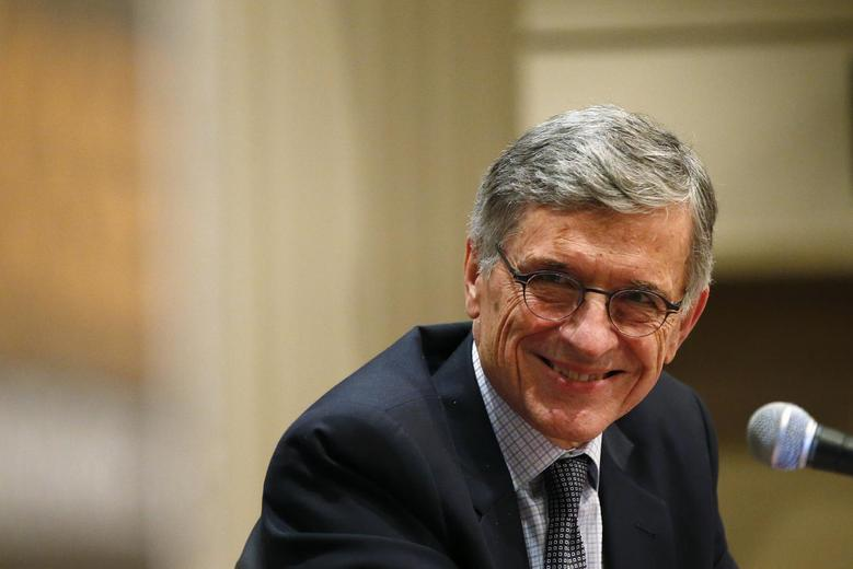 Federal Communications Commission (FCC) Chairman Thomas Wheeler smiles during a town hall meeting in Oakland, California January 9, 2014 REUTERS/Stephen Lam