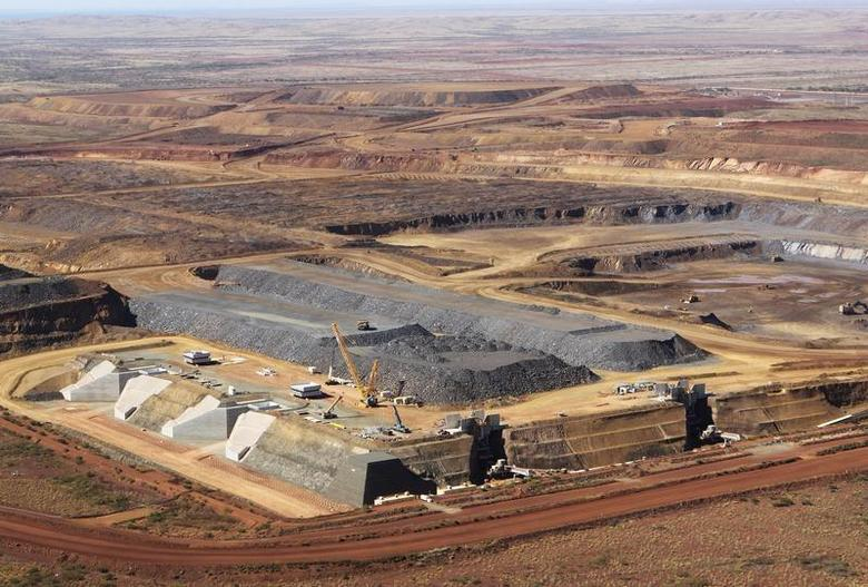 Aerial view of the Citic Pacific iron ore mine, controlled by controversial billionaire Clive Palmer, in Karratha, Western Australia, August 20, 2012. REUTERS/Jim Reagan