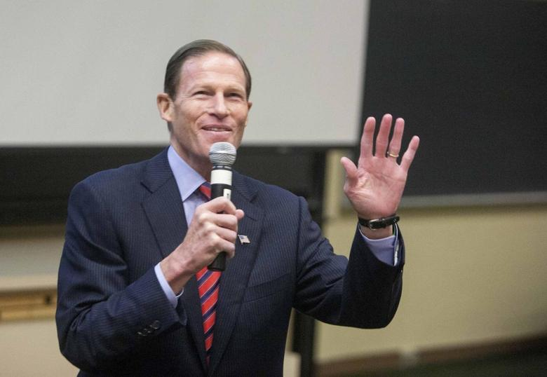 U.S. Senator Richard Blumenthal addresses the Marching On conference on gun violence prevention in Middletown, Connecticut September 28, 2013. REUTERS/Michelle McLoughlin