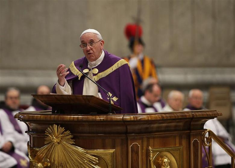 Pope Francis attends a Penitential Liturgy ceremony at St. Peter's Basilica in Vatican March 28, 2014. REUTERS/Max Rossi