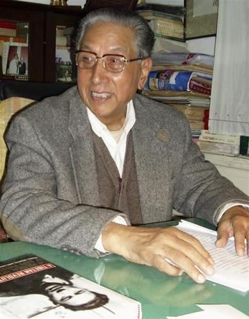 Phuntso Wangye is seen during an interview in Beijing December 10, 2006. REUTERS/Benjamin Kang Lim