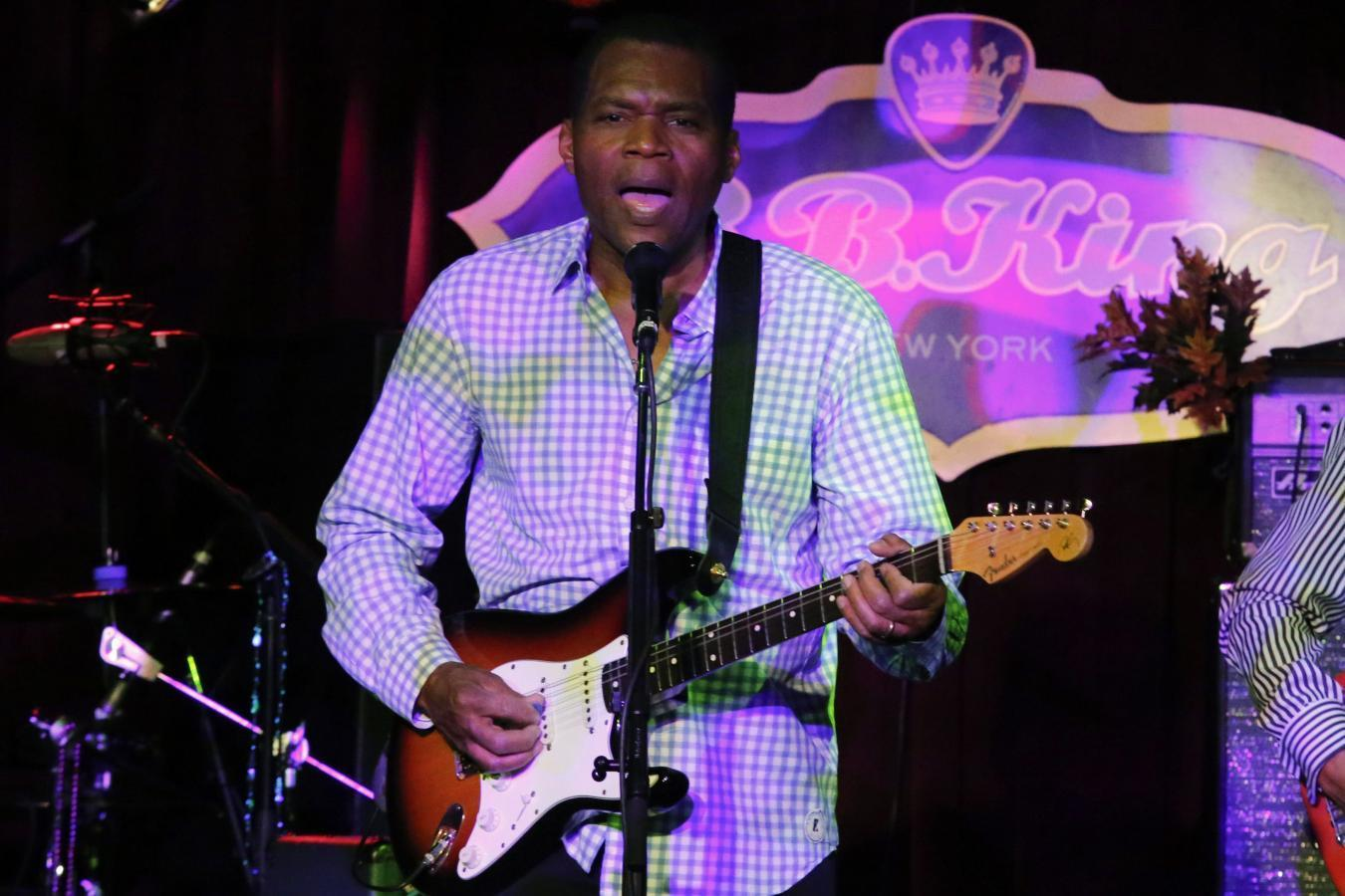 A soulful Robert Cray tunes in to the sounds of his youth