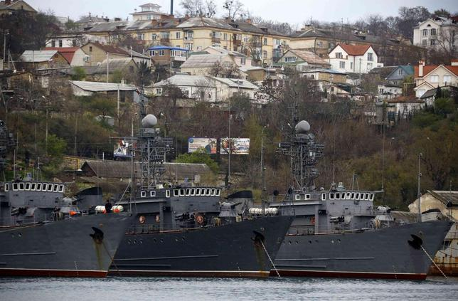 Russian Navy vessels are anchored at a navy base in the Ukrainian Black Sea port of Sevastopol in Crimea, March 28, 2014. REUTERS/Yannis Behrakis