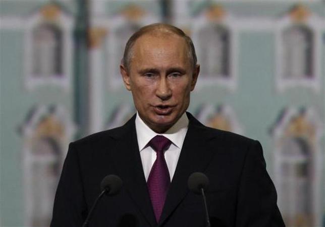 4月1日、ロシアのプーチン大統領ら独裁的指導者は、国際的な規範に逆らい、反体制派を抑圧し、軍事力を行使できることを見せつけており、米国の政策立案者たちは対応に苦慮している。写真は昨年6月撮影(2014年 ロイター/Alexander Demianchuk)