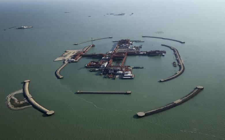 An aerial view shows the artificial islands at the Kashagan offshore oil field in the Caspian sea in western Kazakhstan in this October 16, 2013 file photograph. REUTERS/Stringer/Files
