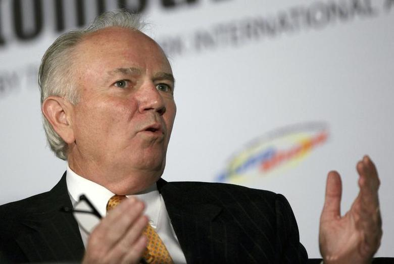 Mike Jackson, Chairman and CEO of AutoNation, speaks during a forum for the 2012 International Auto Show in New York, April 3, 2012. REUTERS/Shannon Stapleton