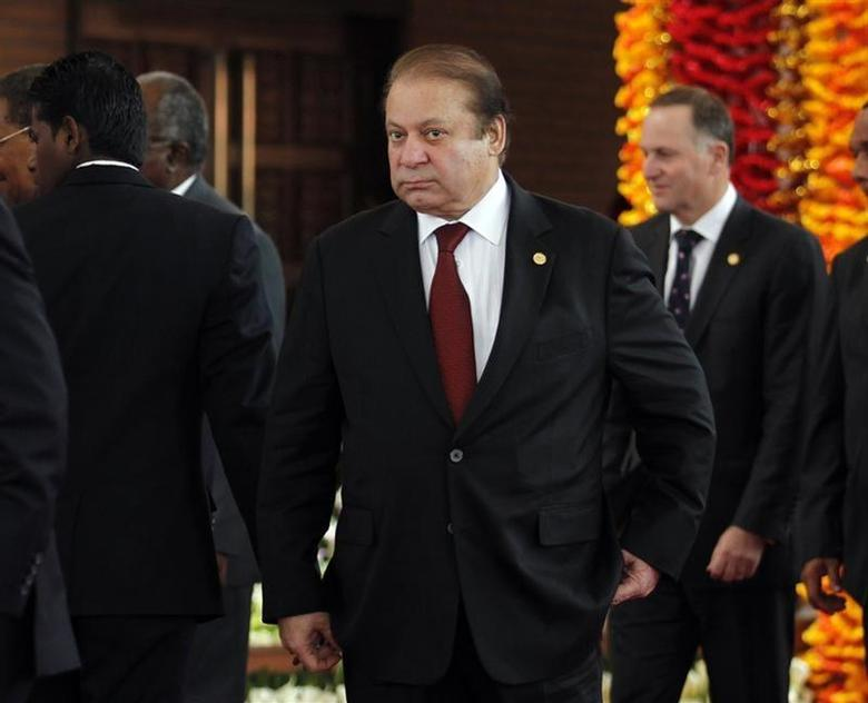 Pakistan's Prime Minister Nawaz Sharif arrives for the official photograph of the Commonwealth heads of states during the opening ceremony of the Commonwealth Heads of Government Meeting (CHOGM) in Colombo November 15, 2013. REUTERS/Dinuka Liyanawatte