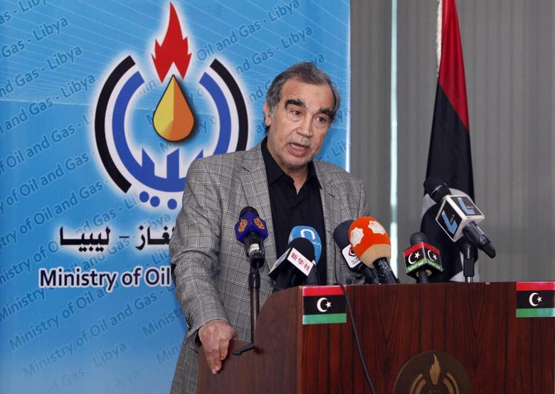 Libya's acting oil minister Omar Shakmak speaks during a news conference in Tripoli March 18, 2014. REUTERS/Ismail Zitouny