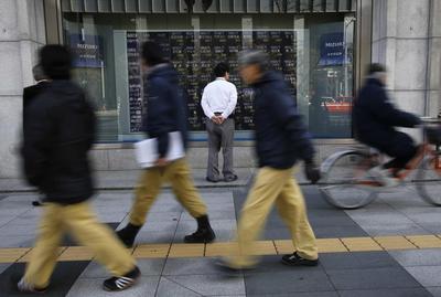 Asia braces for U.S. jobs test, euro nurses losses