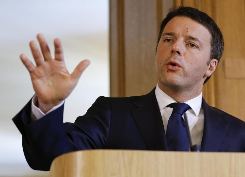 Italy's Prime Minister Matteo Renzi speaks during a a joint news conference with Britain's Prime Minister David Cameron in 10 Downing Street, central London April 1, 2014. REUTERS/Kirsty Wigglesworth