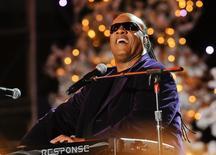 Stevie Wonder durante show em Los Angeles, em 2013. Stevie Wonder será a atração principal do Festival de Jazz de Montreux neste ano. 02/12/2013 REUTERS/Gus Ruelas