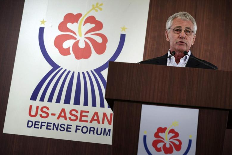 U.S. Secretary of Defense Chuck Hagel speaks during the closing news conference at a meeting of defense ministers from the Association of Southeast Asian Nations (ASEAN) in Honolulu, Hawaii, April 3, 2014. REUTERS/Alex Wong/Pool