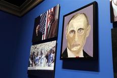 """Un cuadro del presidente ruso, Vladimir Putin, pintado por el ex mandatario George W. Bush como parte de la muestra """"El arte del liderazgo: diplomacia personal de un presidente"""" en el Museo y Biblioteca Presidencial George W. Bush en Dallas, abr 4 2014. El ex presidente de Estados Unidos George W. Bush hizo públicos el viernes una serie de retratos de líderes mundiales que él mismo pintó, en una nueva ocupación que dice que le """"ha abierto la mente"""" pese a que lo expuso a las bromas de su madre. REUTERS/Brandon Wade"""