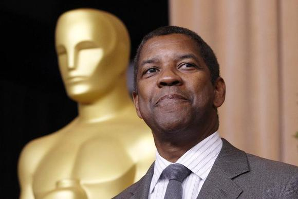 Denzel Washington, nominated for best actor for his role in ''Flight'', arrives at the 85th Academy Awards nominees luncheon in Beverly Hills, California February 4, 2013. REUTERS/Mario Anzuoni