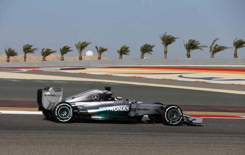 Mercedes Formula One driver Lewis Hamilton of Britain drives during the third practice session of the Bahrain F1 Grand Prix at the Bahrain International Circuit (BIC) in Sakhir, south of Manama April 5, 2014. REUTERS/Steve Crisp