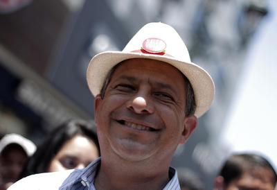 Costa Rica leftist easily wins presidential run-off