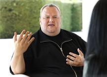 El fundador de Megaupload, Kim Dotcom, en una entrevista con Reuters en Auckland, ene 19 2013. Varios estudios de cine de Estados Unidos presentaron una demanda contra el sitio para compartir archivos Megaupload y su fundador, Kim Dotcom. REUTERS/Nigel Marple