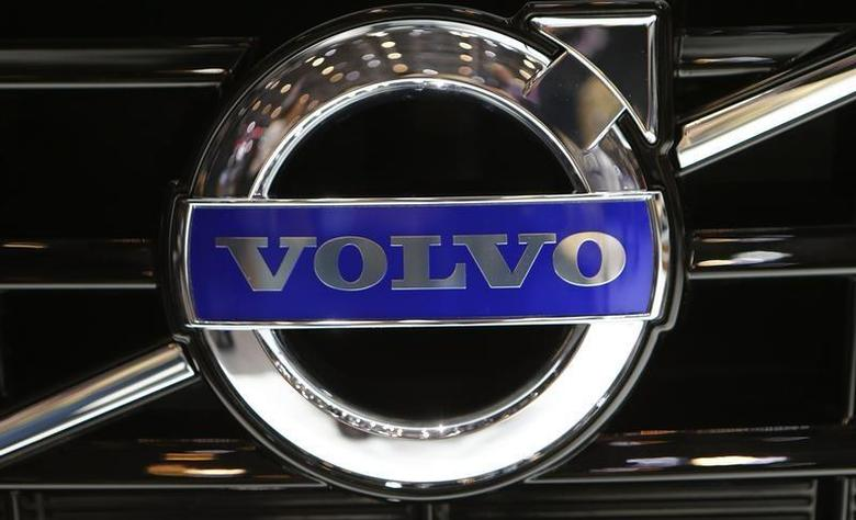 The company logo is seen on the bonnet of a Volvo car during the media day ahead of the 84th Geneva Motor Show at the Palexpo Arena in Geneva March 5, 2014. REUTERS/Arnd Wiegmann