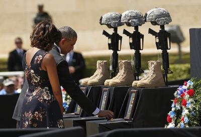 Obama returns to Fort Hood for second memorial service...