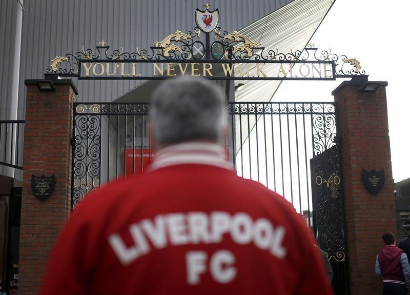 Football pauses to commemorate Hillsborough