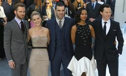 "Cast members of ""Star Trek Into Darkness"", (L-R) Chris Pine, Alice Eve, Zachary Quinto, Zoe Saldana and Benedict Cumberbatch pose for photographers at the film's international premiere in Leicester Square, central London May 2, 2013. REUTERS/Andrew Winning"