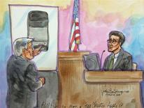 """Boceto judicial donde se aprecia a Greg Christie, director del equipo de """"interfaz humana"""" de Apple, siendo interrogado por el abogado de Samsung Bill Price en un juicio en una corte de California, EEUU, abr 4 2014. Greg Christie, director del equipo de """"interfaz humana"""" que diseña software para los productos de Apple, abandona la compañía, informó Wall Street Journal citando un correo electrónico interno. REUTERS/Vicki Behringer"""