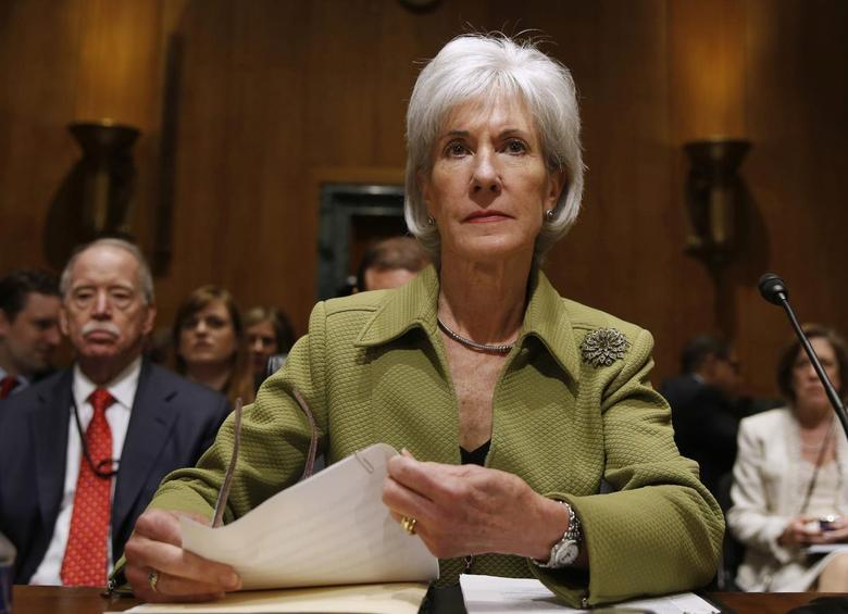 U.S. Secretary of Health and Human Services Kathleen Sebelius prepares prior to testifying before the Senate Finance Committee hearing on the President's budget proposal for FY2015, on Capitol Hill in Washington, April 10, 2014. REUTERS/Larry Downing
