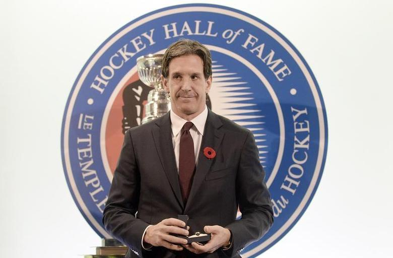 Former Devils player Brendan Shanahan poses for a picture after being inducted into the Hockey Hall of Fame in Toronto, November 8, 2013. REUTERS/Aaron Harris