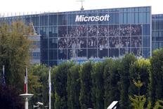 Las oficinas de Microsoft en Issy-les-Moulineaux, Francia, oct 6 2009. El comprador de patentes Intellectual Ventures (IV) ha persuadido a Microsoft y Sony a invertir en su más reciente fondo de adquisiciones, mientras que Apple e Intel -que invirtieron previamente en IV-, no quisieron participar, según personas informadas sobre la recaudación de capital. REUTERS/Charles Platiau