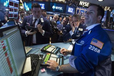 Nasdaq ends below 4,000 for first time since early...