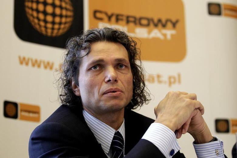 Dominik Libicki, CEO of Cyfrowy Polsat, speaks to the media at the news conference following the fourth-quarter results in Warsaw March 18, 2010. REUTERS/Peter Andrews