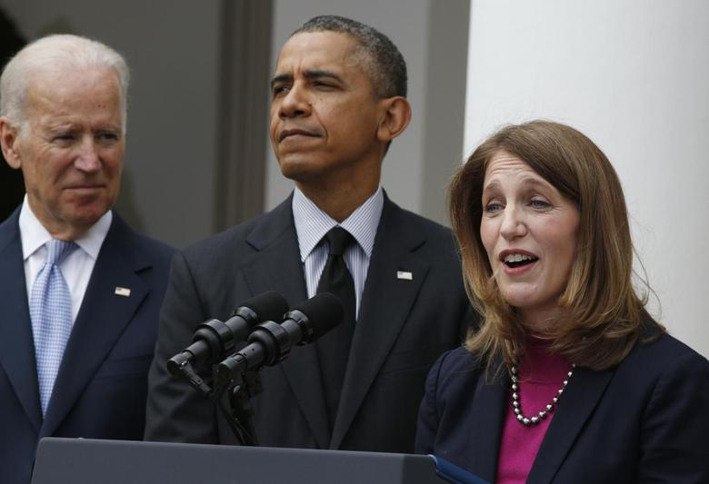 U.S. President Barack Obama announces Director of the Office of Management and Budget Sylvia Mathews Burwell (R) as his nominee to replace outgoing U.S. Secretary of Health and Human Services Kathleen Sebelius (not seen), during a ceremony in the Rose Garden of the White House in Washington, April 11, 2014. REUTERS/Larry Downing