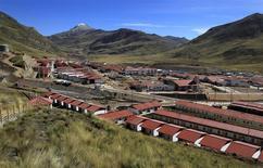 """La nueva ciudad de """"Nueva Morococha"""" es vista aún en construcción en la ciudad de Junin, en Perú. Foto de archivo 18 de junio, 2012. REUTERS/Pilar Olivares"""